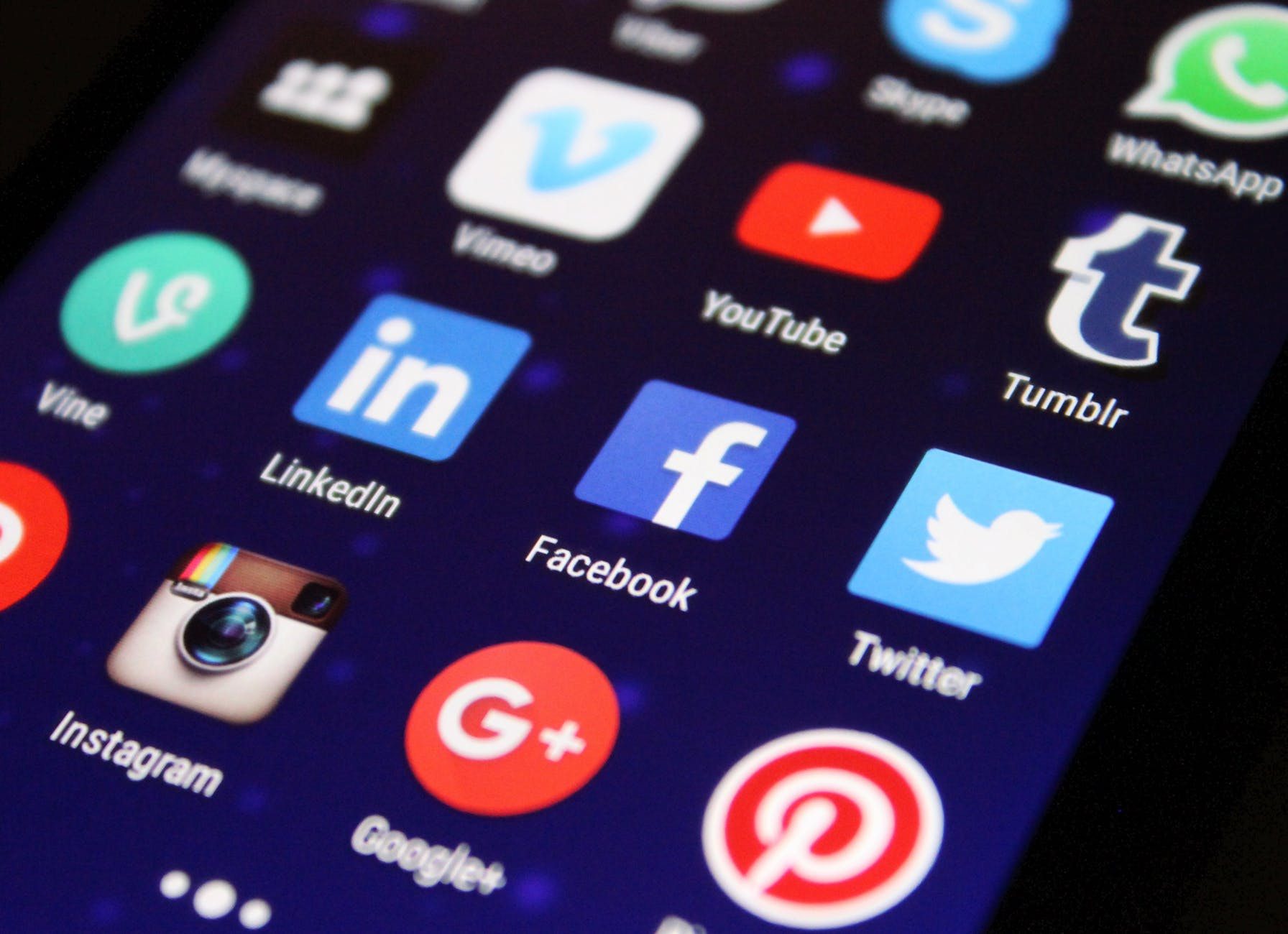 how to pick the right social media platform